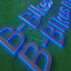 Плоские буквы с контражурной подсветкой